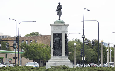 Victory Monument on MLK Drive in Bronzeville